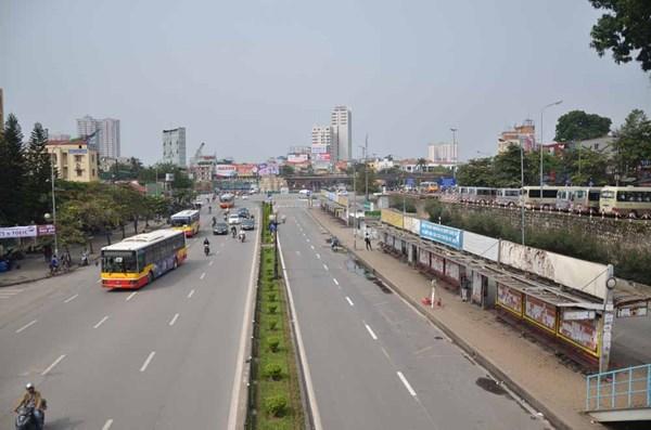 Tháo dỡ trạm trung chuyển xe buýt lớn nhất Thủ đô - ảnh 1