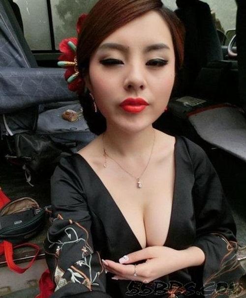 ... 9X Trung Quốc khoe ngực khủng - Ảnh 6 Phóng to