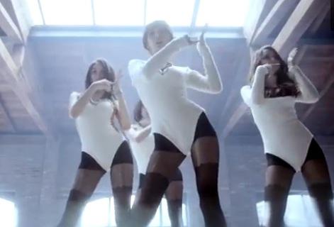 MV Kpop 19+ của Stellar gây bão cư dân mạng