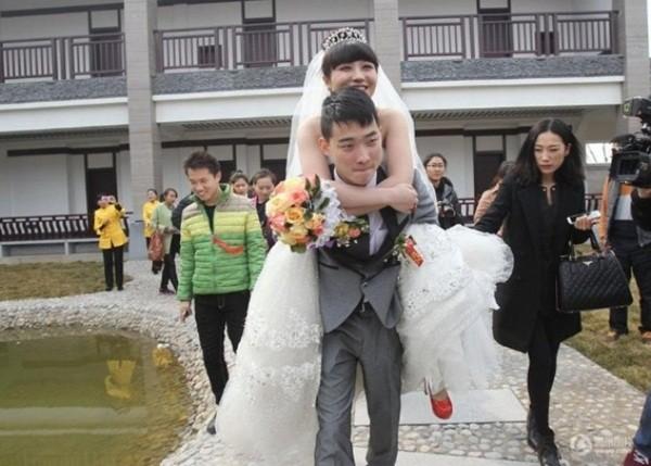 Xúc động đám cưới hạnh phúc của cô gái 9X bị mắc bệnh ung thư