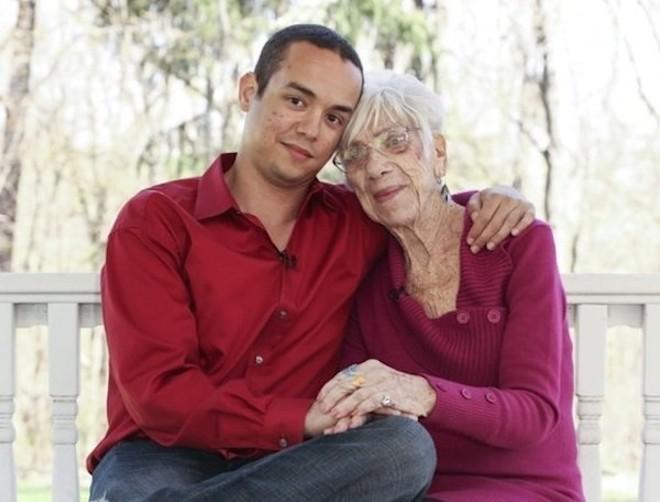 Những mối tình lệch tuổi thu hút sự quan tâm của hàng triệu người