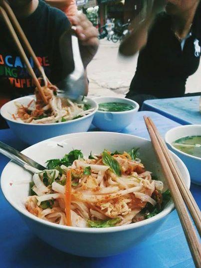 Những quán ăn vỉa hè hấp dẫn Teen Hà Thành nhất hiện nay