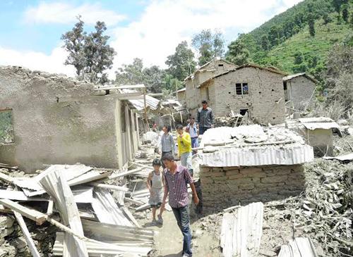 Lở đất ở Nepal: 53 người chết, 75 người mất tích