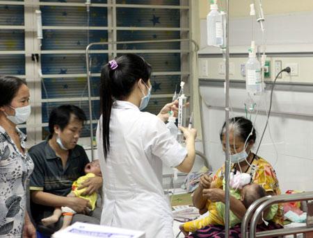 Ngày 10/5, tiêm bổ sung vắc xin sởi cho trẻ 2-10 tuổi
