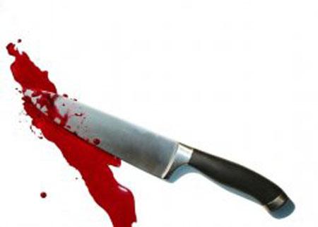Mâu thuẫn, em trai dùng dao đâm thấu tim anh
