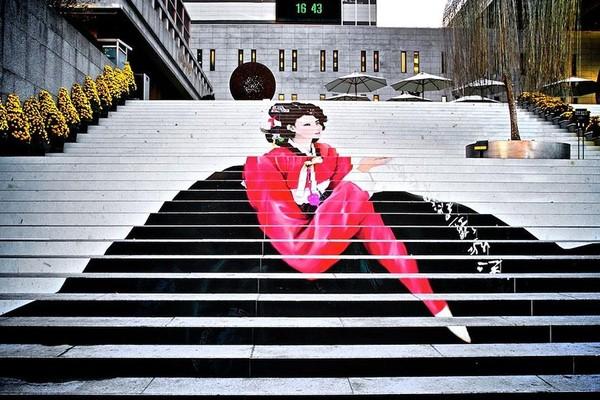 Ngỡ ngàng với 17 cầu thang đi bộ đẹp nhất thế giới