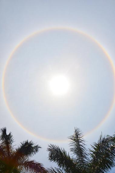 Quầng mặt trời xuất hiện ở Quảng Ninh