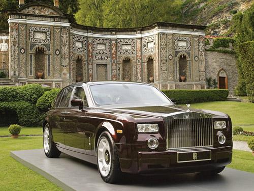 Mua nhà tặng được tặng kèm... siêu xe Phantom