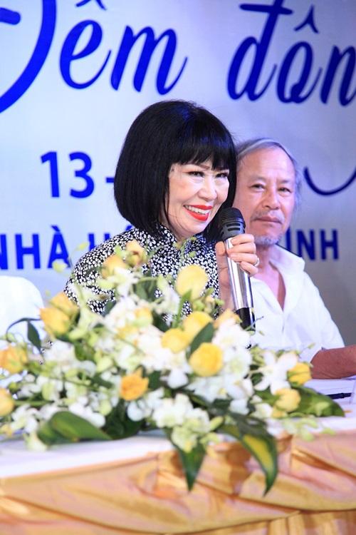 Nhạc sĩ Nguyễn Ánh 9 đệm đàn cho danh ca Bạch Yến