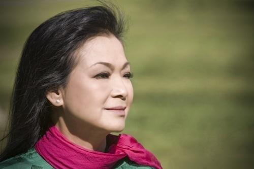 Khánh Ly hoãn liveshow tại Bình Dương vì chịu tang chồng - ảnh 1