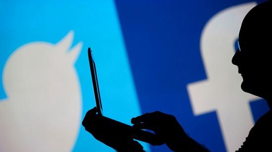 Tình báo Mỹ, Anh dùng Facebook để moi tin