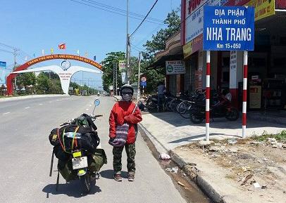 Cô gái 22 tuổi một mình đi xuyên Việt