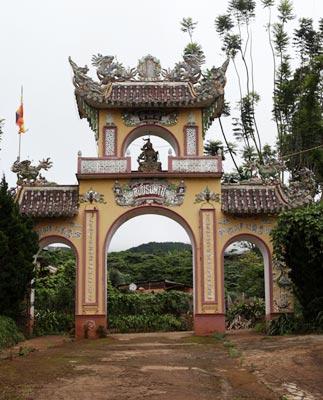 Huyền bí ngôi chùa ma Bửu Sơn ở Lâm Đồng