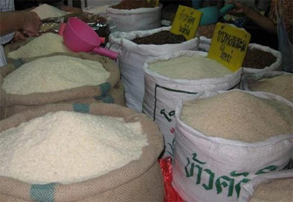 Kỹ xảo làm gạo thơm nhờ ướp hương liệu