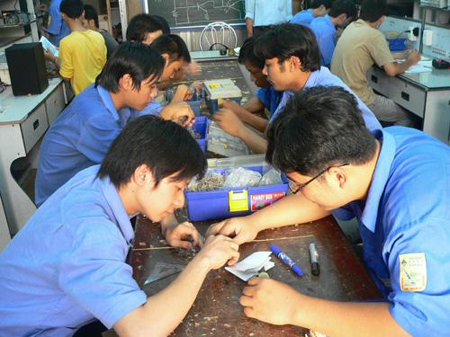 Nhiều việc làm cho sinh viên tốt nghiệp trường nghề