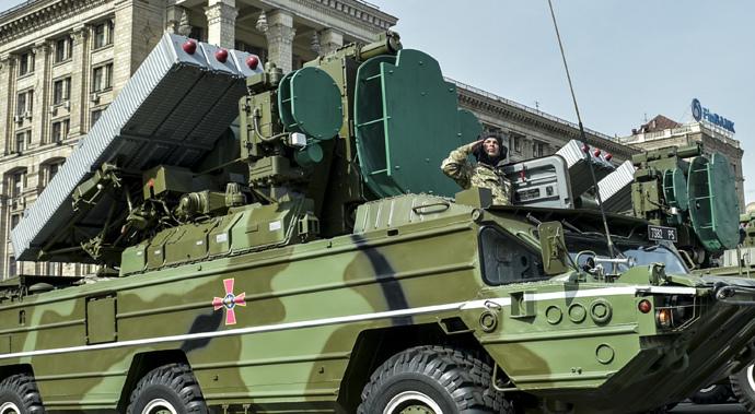 Chùm ảnh: Ukraina phô diễn sức mạnh quân sự mừng ngày Độc lập