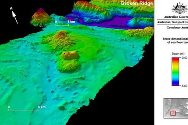 Công bố những hình ảnh gây sửng sốt trong quá trình tìm MH370