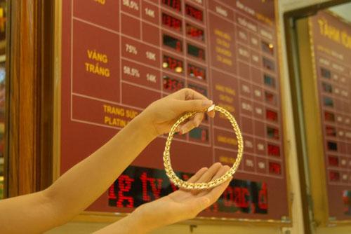 Giá vàng ngày 3/12: Vàng giảm 100.000đ/lượng