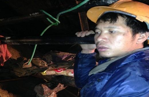 Tinh thần công nhân mắc kẹt trong vụ sập hầm thủy điện đang suy kiệt - ảnh 1