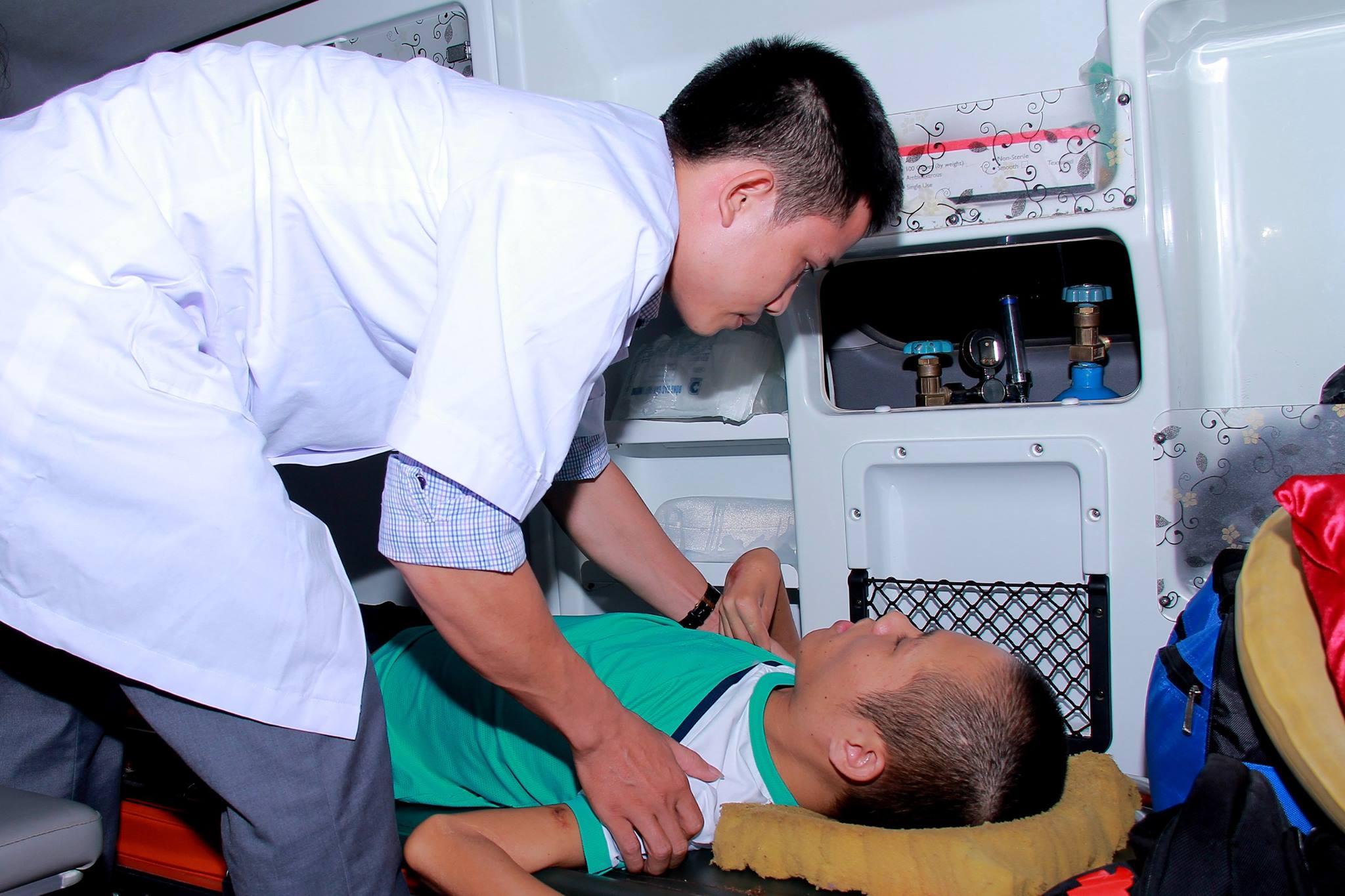 Chàng trai tật nguyền vượt hơn 300km, đến gần hơn với ước mơ hiến đầu cho y học - ảnh 1