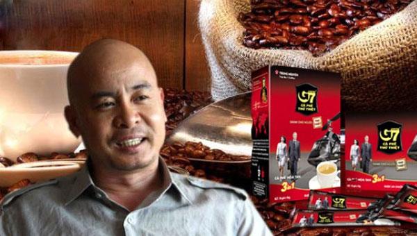 dang le nguyen vu Kể từ ngày báo chí nói về việc chủ tịch tập đoàn cà phê trung nguyên lên rừng tuyệt thực, tới nay đã gần 2 năm, giới truyền thông ít thấy đặng lê nguyên vũ xuất hiện.