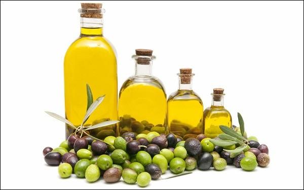 Cách chống lão hóa da mặt bằng dầu oliu