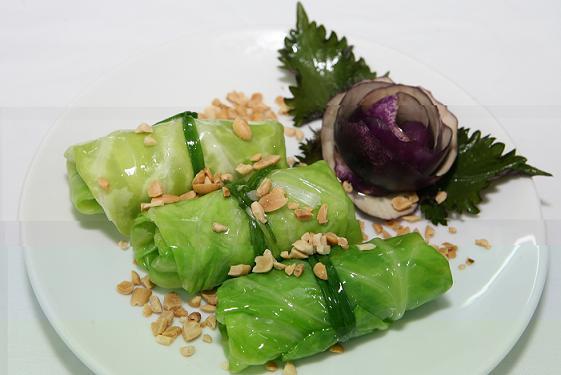 Cách chế biến món bắp cải cuộn thịt sốt nấm hương ngon tuyệt - ảnh 1