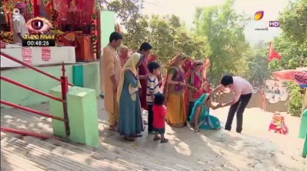 Cô dâu 8 tuổi phần 8 tập 60: Bị phát hiện mang bầu, Ganga bị buộc phá thai
