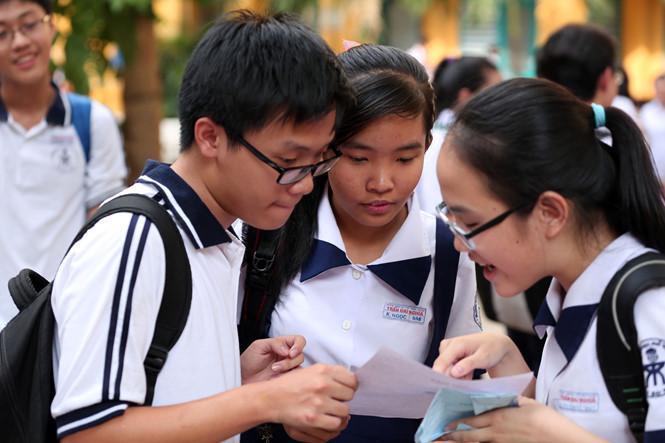 Hôm nay (1/4), học sinh cả nước bắt đầu đăng kí tham dự kì kỳ thi THPT quốc gia 2019 - Ảnh 1