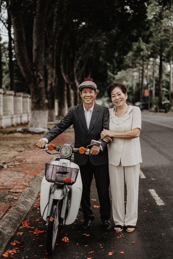 Phát hờn với những bộ ảnh kỉ niệm ngày cưới sau hàng thập kỉ của các cặp vợ chồng - ảnh 1