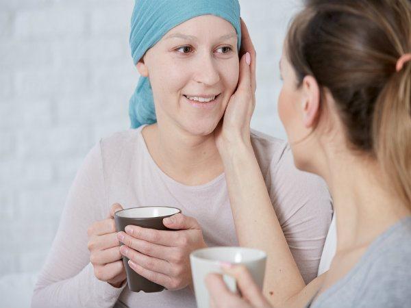 Có những dấu hiệu cảnh báo này, chị em cần đi khám sàng lọc ung thư ngay - ảnh 1