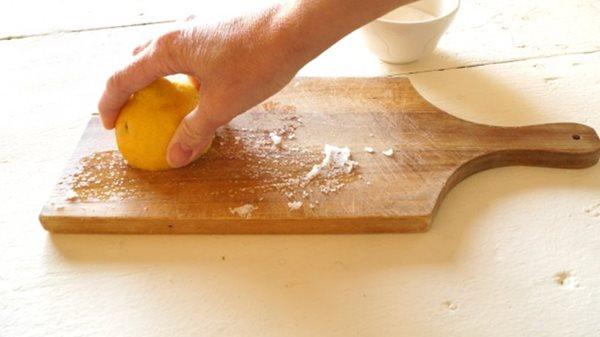 Tốn nhiều tiền vào căn bếp, nhiều người thường quên dụng cụ đầy vi khuẩn gây ung thư này - ảnh 1