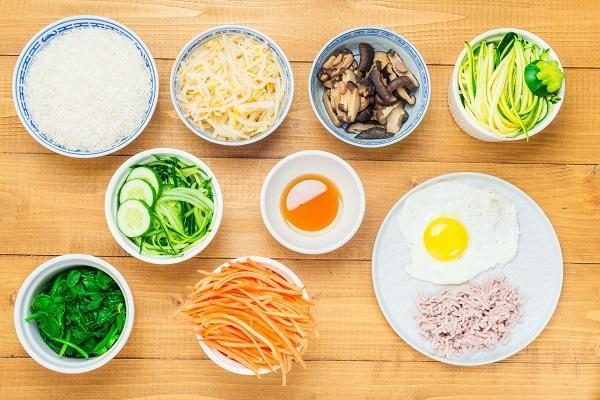 Mát trời làm món cơm trộn kiểu Hàn Quốc, đơn giản lại ngon miệng - ảnh 1