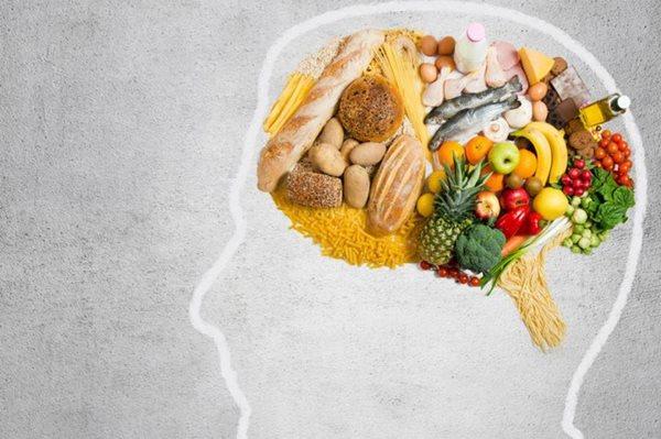 Để con đầu óc minh mẫn đi thi, bố mẹ cần chú ý những thực phẩm bổ não nào? - ảnh 1