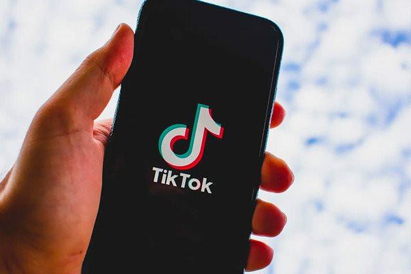 Tin tức công nghệ mới nóng nhất hôm nay 4/8: Smartphone 5G rẻ nhất thế giới xịn cỡ nào? - ảnh 1