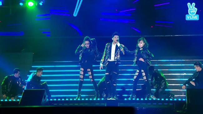 Noo Phước Thịnh khiến fan Hàn vẫy lightstick gào thét tại Asia Song Festival - Ảnh 2