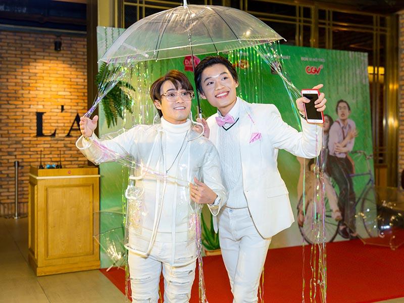 """Parody """"Em gái mưa"""" của Huỳnh Lập thu hút hơn 1 triệu lượt xem, vào top trending YouTube sau 12 giờ - ảnh 1"""