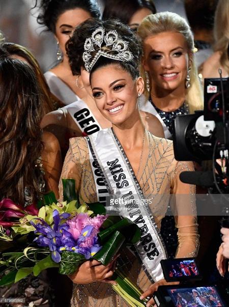 Miss Universe 2017: Người đẹp Nam Phi đăng quang, Nguyễn Thị Loan trượt Top 16 - ảnh 1