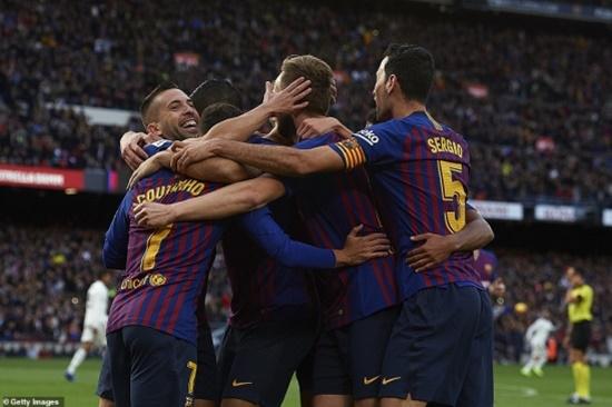 Thua thảm Barca trong trận siêu kinh điển, CĐV Real đòi sa thải HLV - ảnh 1