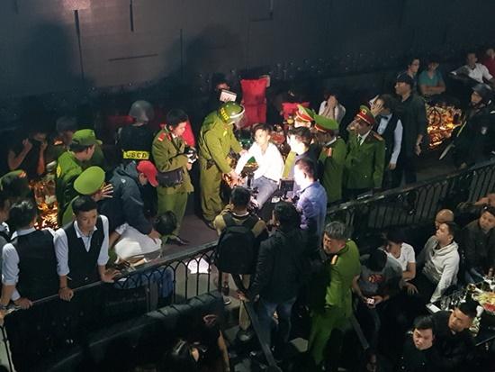 TP Huế: Đột kích quán bar Vegas, phát hiện ổ ma túy lớn - ảnh 1