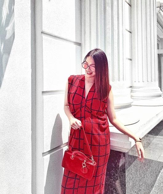 """Loạt hình ảnh giúp Lan Khuê được ca ngợi là """"bà bầu đẹp nhất showbiz Việt"""" - ảnh 1"""