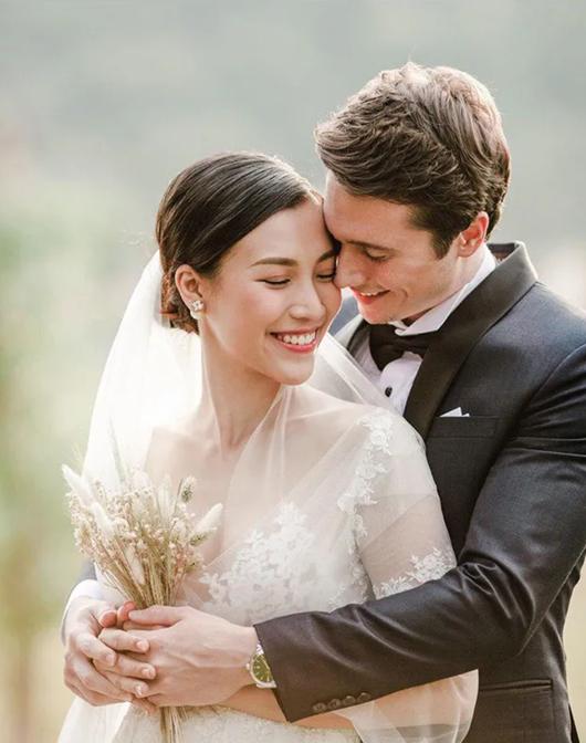 """Hoàng Oanh kể chuyện """"xung đột văn hóa"""" khi lo liệu đám cưới với chồng Tây - ảnh 1"""