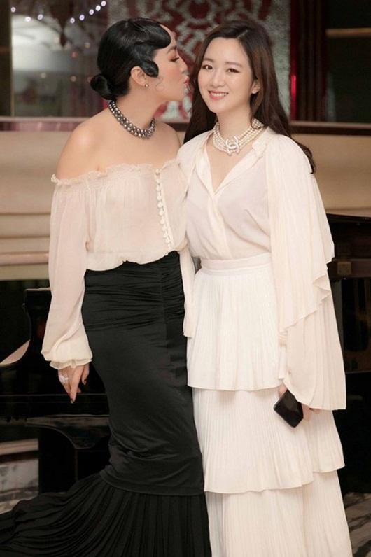 Vẻ đẹp kiêu sa đài các nhưng vẫn đầy sức hút của Anh Sa - ái nữ nhà hoa hậu Đền Hùng Giáng My - ảnh 1