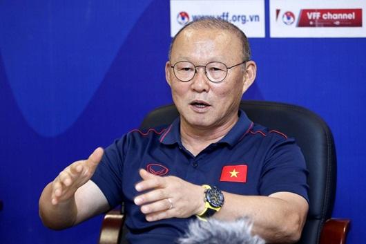 Báo Hàn đưa tin HLV Park Hang-seo nhận mức đãi ngộ kỷ lục khi gia hạn hợp đồng với VFF - ảnh 1