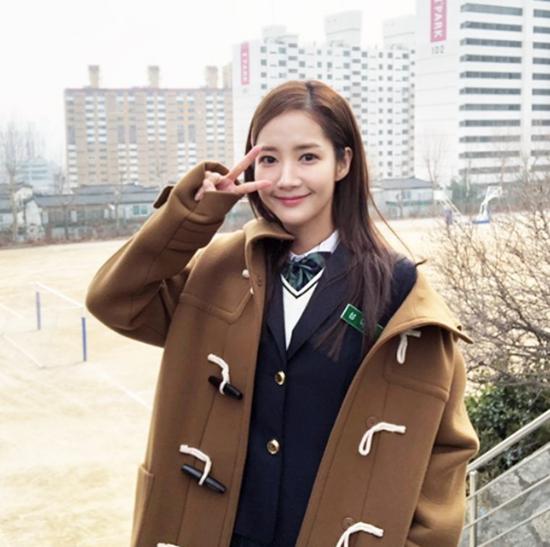 Ở tuổi ngoài 30, loạt sao Hàn vẫn tự tin diện đồng phục xinh tươi không thể tả - Ảnh 3
