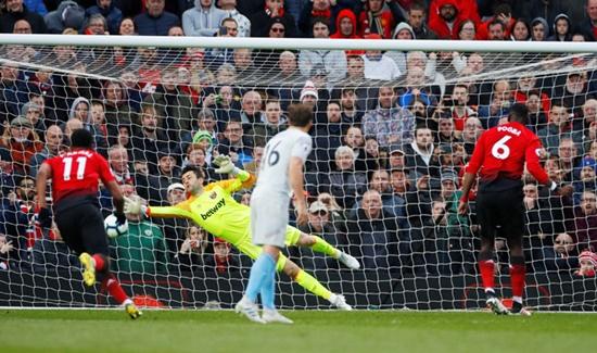 MU thắng nhọc West Ham 2-1 trên sân nhà nhờ 2 quả phạt đền - Ảnh 2