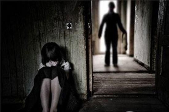 TP.HCM: Điều tra vụ bé gái 3 tuổi nghi bị ông lão 70 tuổi dâm ô - Ảnh 1