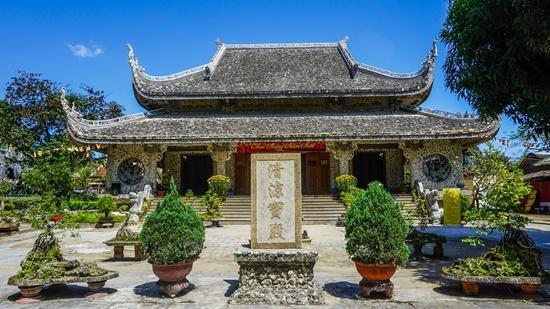 Bí ẩn bức tượng Phật trôi dạt từ biển vào cửa chùa Thanh Lương - Ảnh 1