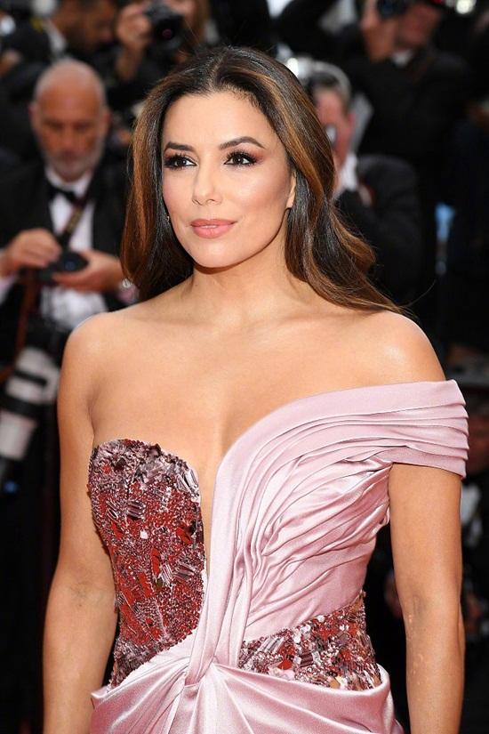 Thảm đỏ LHP Cannes 2019: Elle Fanning lộng lẫy chiếm spotlight - Ảnh 10