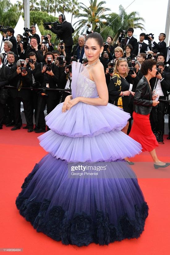 Thảm đỏ LHP Cannes 2019: Elle Fanning lộng lẫy chiếm spotlight - Ảnh 16